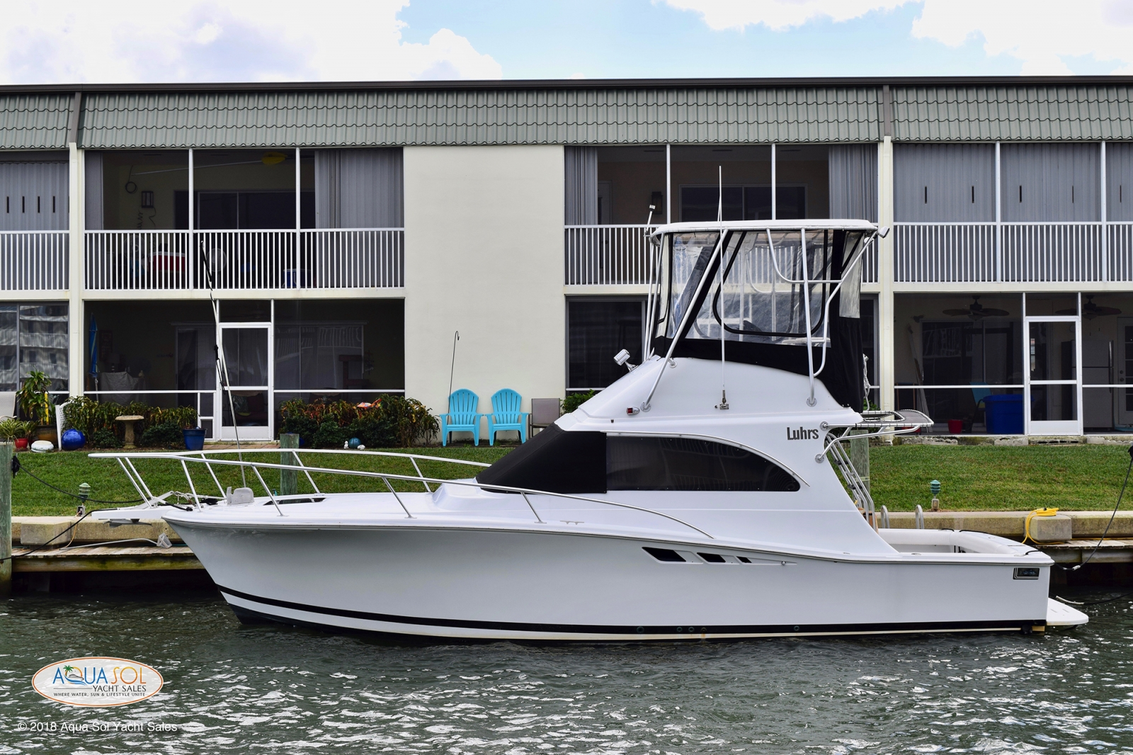 1995 Luhrs 32 Convertible