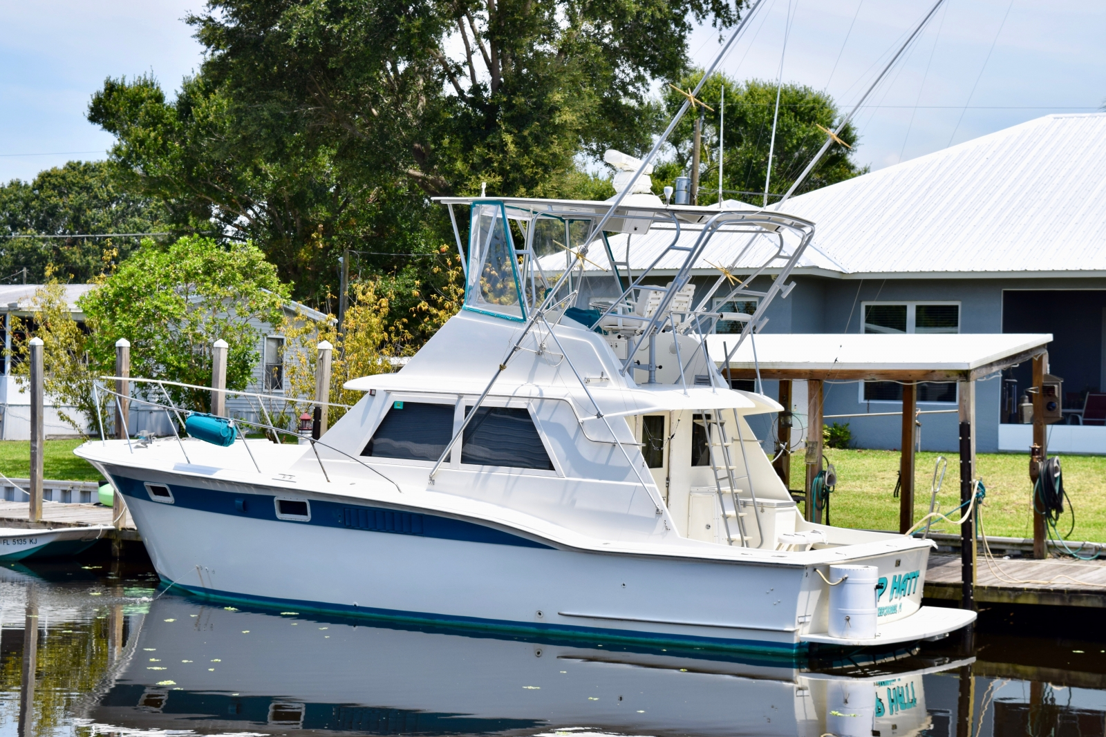 Refitted 1971 Hatteras 38 Convertible